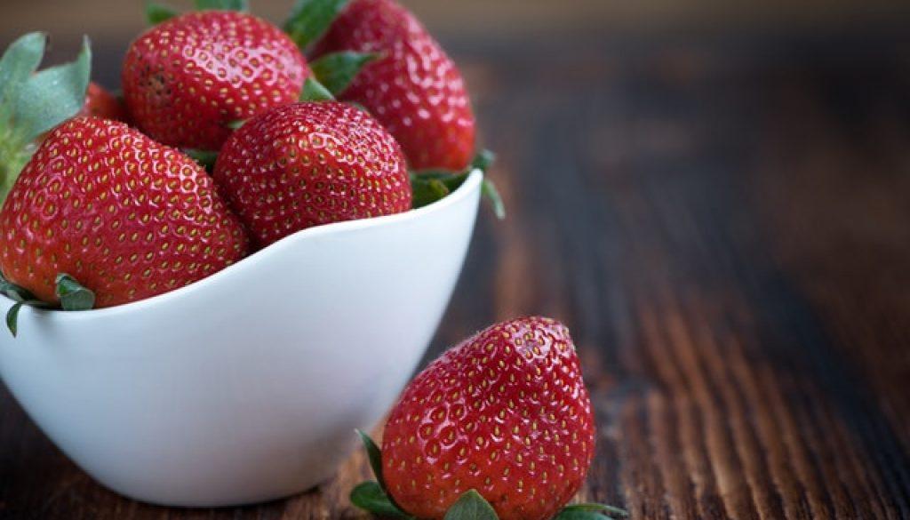 โภชนาการ, ของกินเล่น, strawberries, สตรอวเบอร์รี่