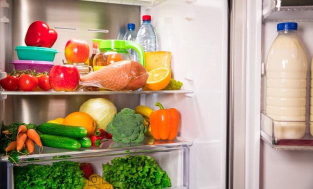 อาหารสุขภาพในตู้เย็น